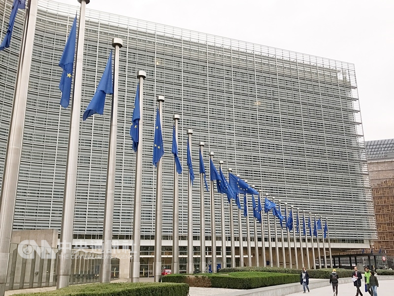 英國首相梅伊10日宣布脫歐協議表決「踩煞車」,並將和歐盟進一步討論「邊境保障措施」。(中央社檔案照片)