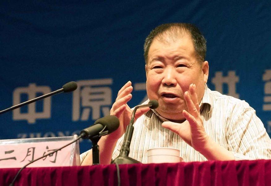 中國大陸知名作家二月河14日凌晨病逝,享壽73歲。(檔案照片/中新社提供)