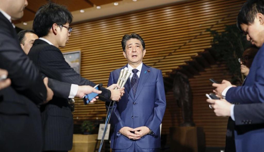 日本首相安倍晉三25日跟媒體分享未來計畫時表示,不論執政迎接第幾個年頭,他每天都會為了人民盡全力奮鬥。(共同社提供)