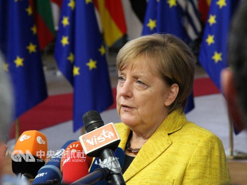 德國總理梅克爾31日向民眾發表新年談話,她說,在多邊主義面臨龐大壓力的情況下,德國必須堅持到底,且要承擔起更大的責任。(中央社檔案照片)