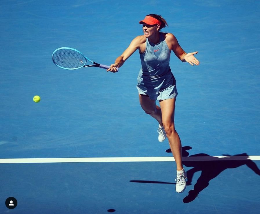 莎拉波娃先前因禁藥問題遭禁賽,她14日以兩個6比0痛擊對手,強勢宣告回歸。(圖取自IG網頁www.instagram.com/mariasharapova)