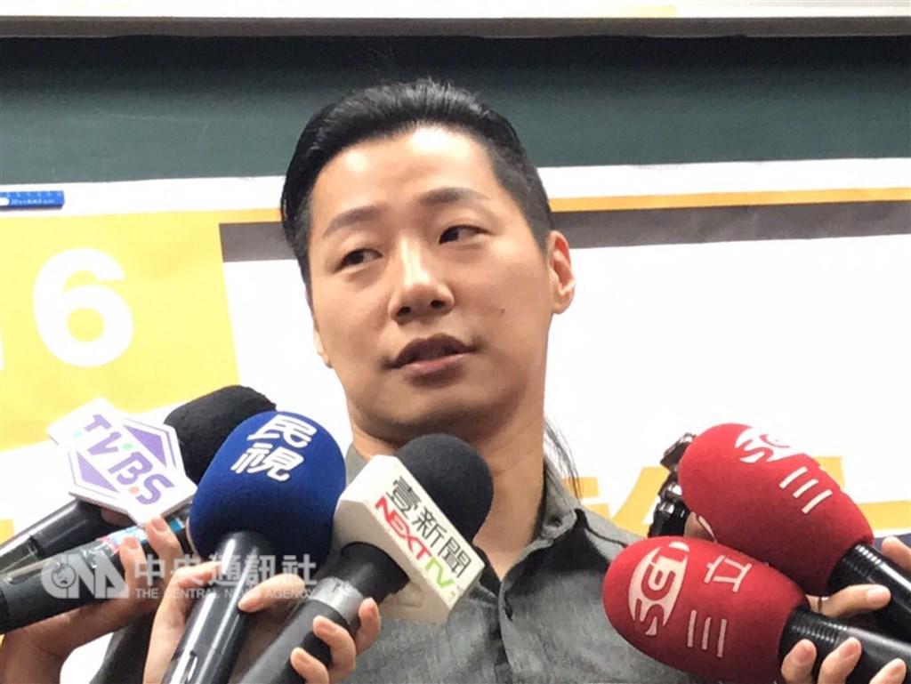 時代力量執行黨主席黃國昌21日宣布將卸下黨務。時力立委林昶佐(圖)說,有點驚訝,不過如果黨由年輕一代來帶領,是非常好的。(中央社檔案照片)