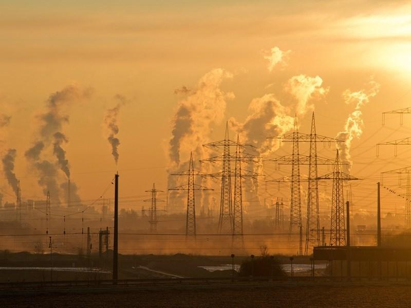 近年從「紫爆」到「紅害」,空氣污染的問題漸漸受到各界重視,一項最新動物實驗證實,PM2.5不只危害健康,還可能禍及下一代。此為示意圖。(圖取自Pixabay圖庫)