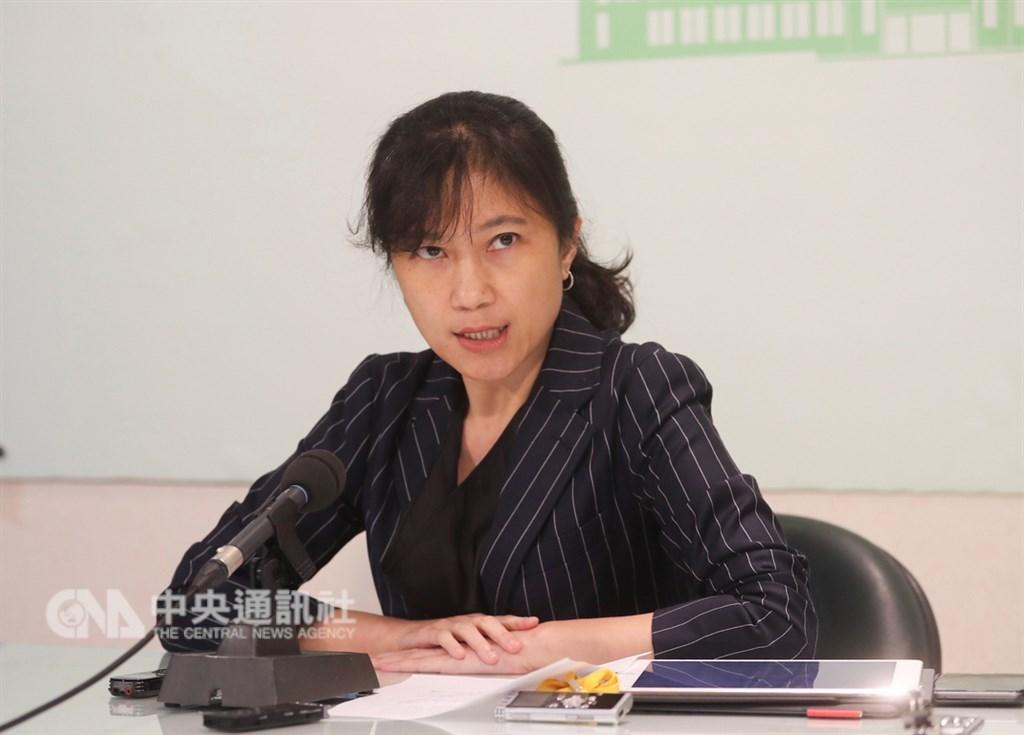 行政院發言人Kolas Yotaka 23日表示,為確保資通訊安全,不排除在3月底前提出一份中國品牌的黑名單。(中央社檔案照片)