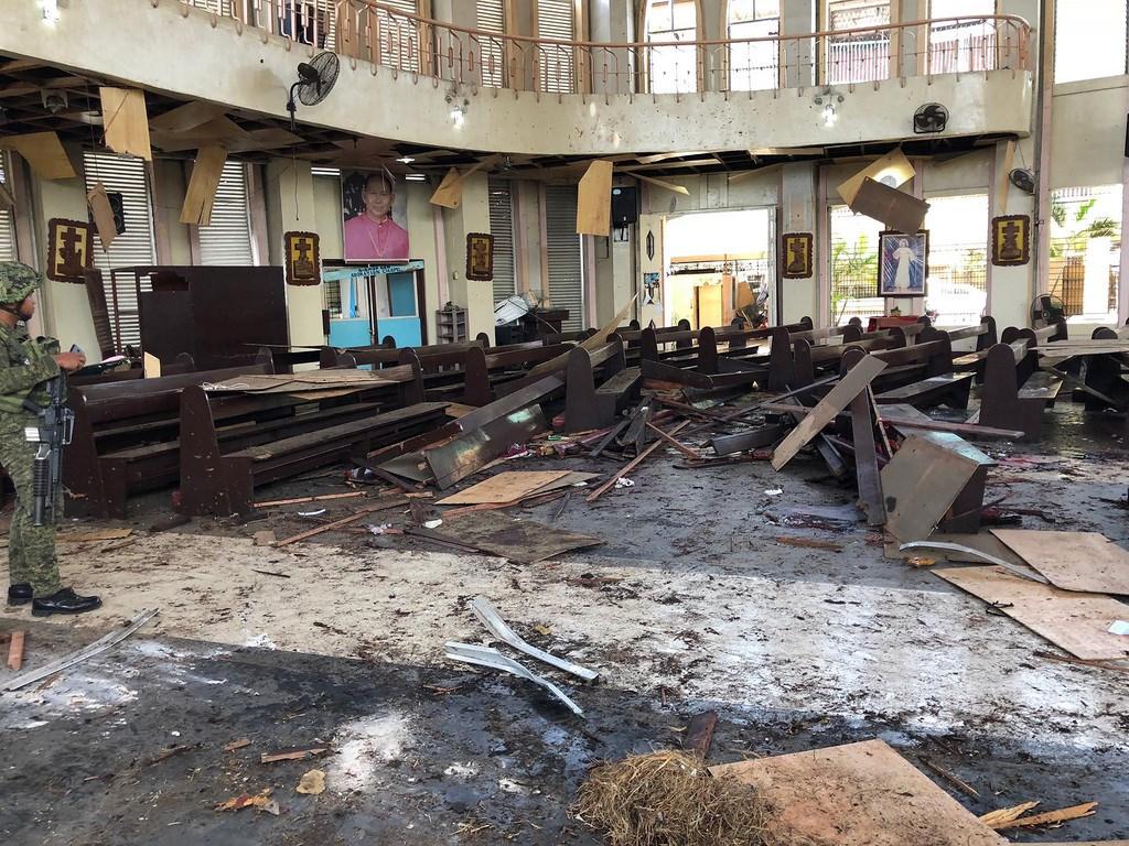 菲南蘇祿省和魯鎮大教堂接連發生爆炸,教堂內滿目瘡痍。(西民答那峨島軍區提供)中央社記者林行健馬尼拉傳真 108年1月27日