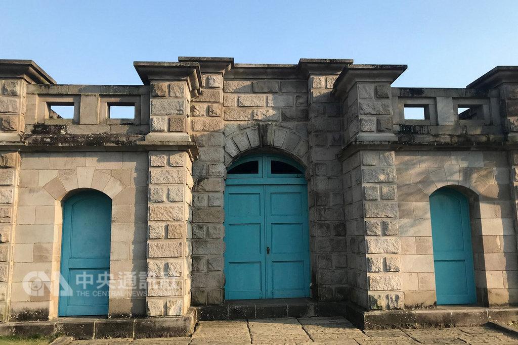 國定古蹟原台南水道淨水池區的歐洲城堡式建物,在台灣相當少見,內部已成為蝙蝠族群的棲息處。(台南市文化局提供)中央社記者楊思瑞台南傳真  108年2月6日
