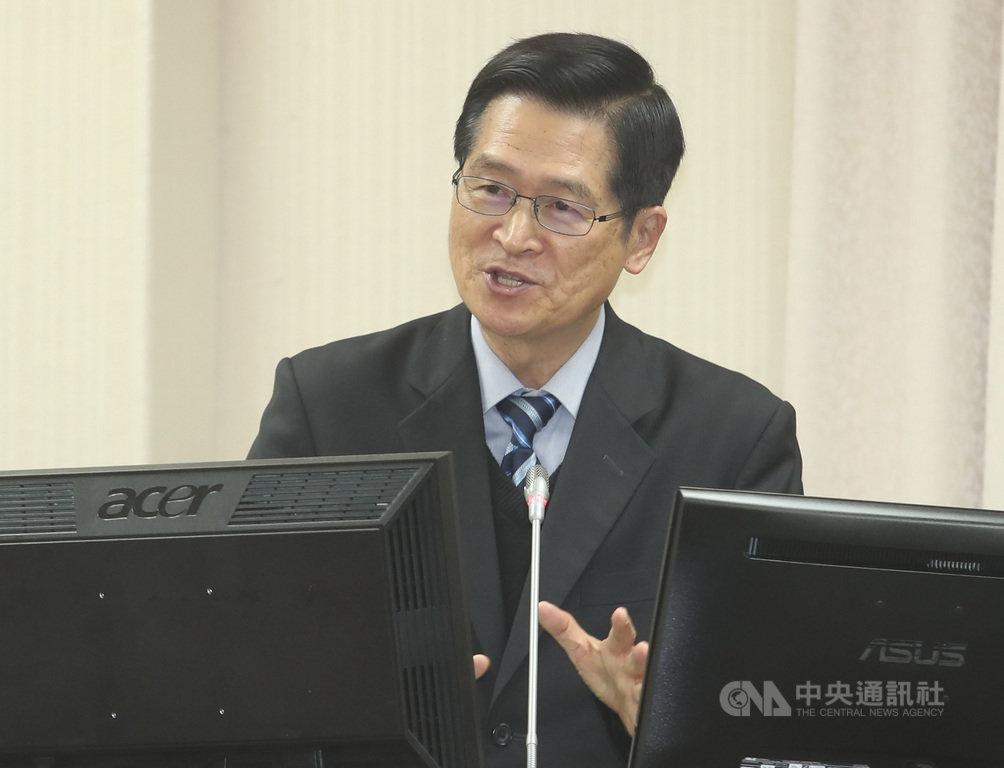 對於朝野立委關注中國若入侵台灣,美日是否出兵協防,國防部長嚴德發(圖)25日強調,這是區域安全問題,若危害到美國利益時美國就會來,日本距離很近也有可能,區域內的國家都會做這樣的選擇。中央社記者張新偉攝 108年2月25日