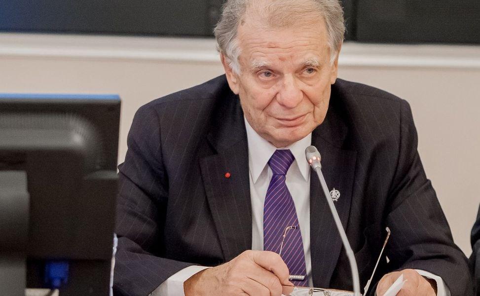 曾獲2000年諾貝爾物理學獎的俄羅斯國會下院議員艾費洛夫辭世,享壽88歲。(圖取自俄羅斯聯邦委員會網頁council.gov.ru)