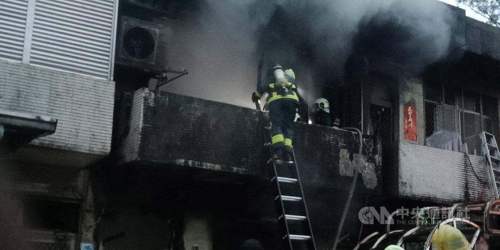 宜蘭縣消防局表示,9日下午獲報在蘇澳鎮聖賢路一處民宅發生氣爆,警消立刻派員前往搶救。(蘇澳鎮長李明哲提供)中央社記者王朝鈺傳真 108年3月9日