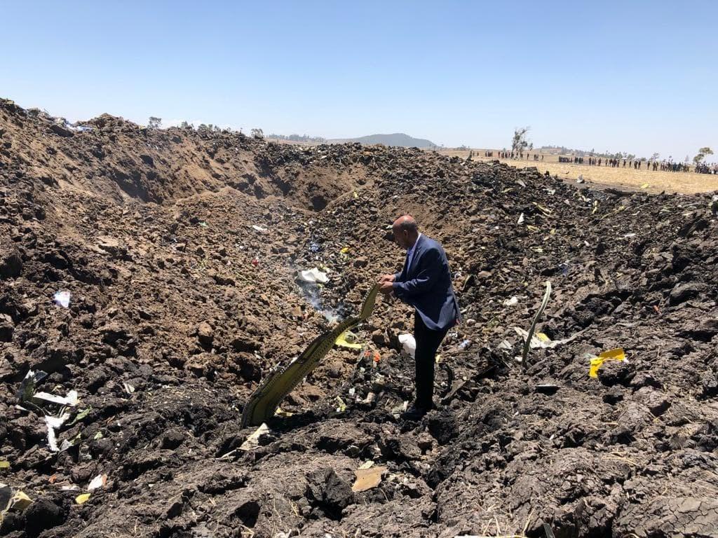 衣索比亞航空公司一架飛往奈洛比的客機10日失事墜毀,機上157人無人生還。(圖取自facebook.com/EthiopianAirlines)