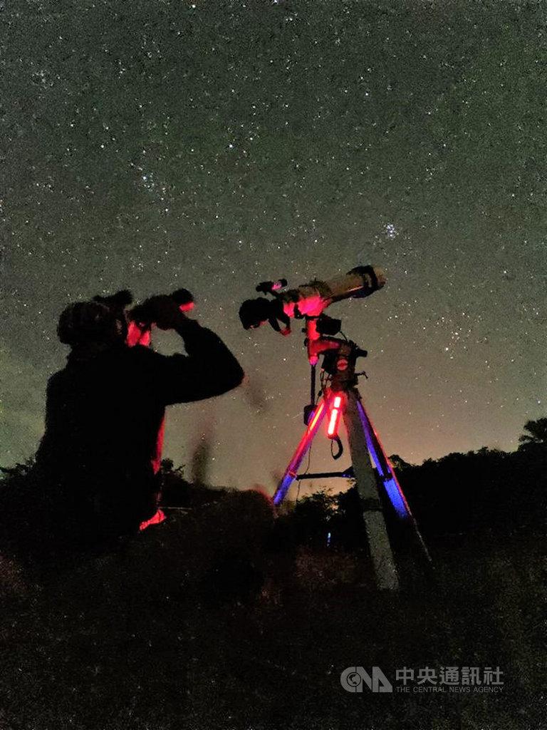20多年來墾丁春假首度沒有「春天吶喊」活動,屏東縣長潘孟安表示,有顆小行星命名為Pingtung,邀請民眾到墾丁觀星。(施世治提供)中央社記者郭芷瑄傳真  108年3月12日
