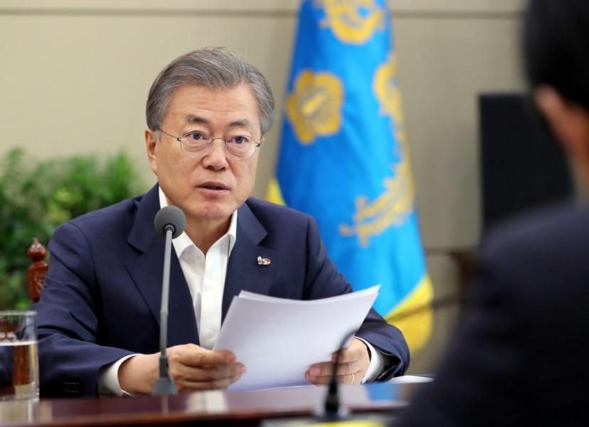 韓國總統文在寅18日指示,徹底調查演藝圈「夜店門」醜聞風暴。(韓聯社提供)