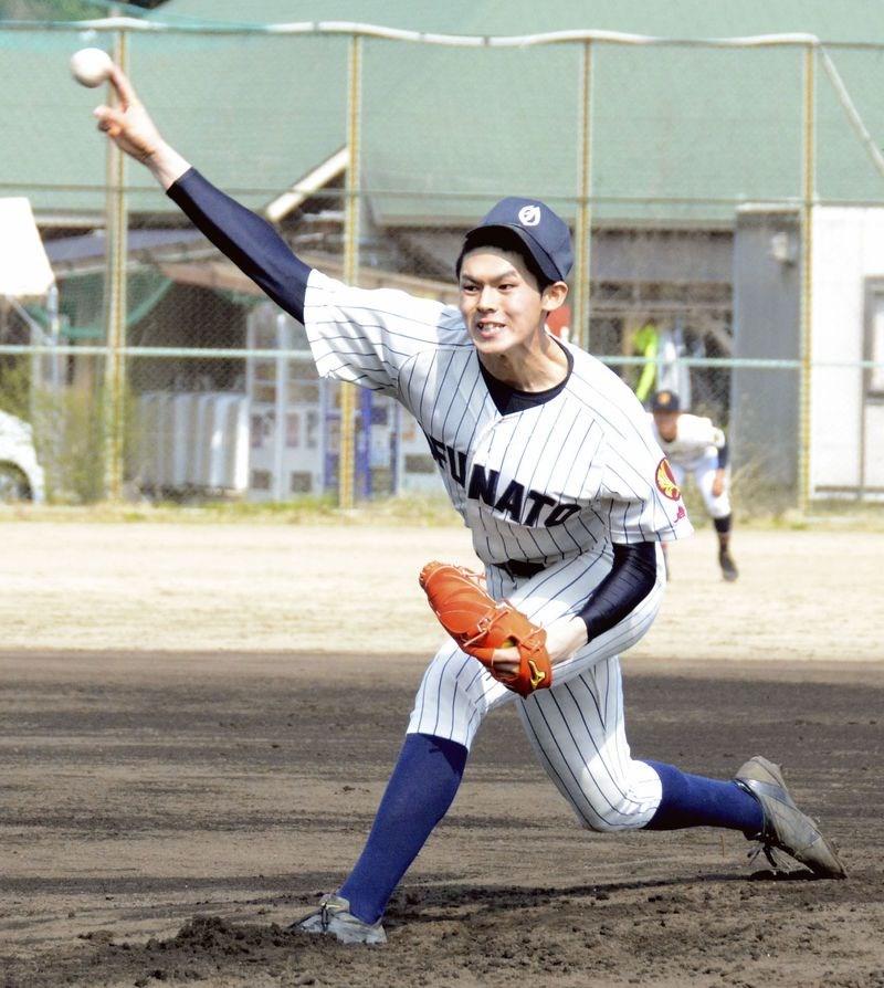 日本U18代表隊紅白戰,大船渡高校17歲投手佐佐木朗希(圖)飆出163公里速球,打破大谷翔平高中時期160公里球速紀錄。(共同社提供)