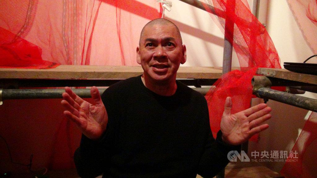 第一屆英國台灣影展邀請到導演蔡明亮, 蔡明亮表示,台灣給他自由的創作環境,讓他能不被市場綑綁,又能繼續生存。中央社記者戴雅真攝 108年4月7日