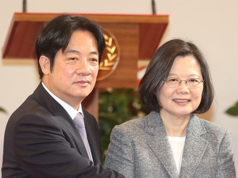 民進黨主席卓榮泰表示,蔡英文(右)與賴清德(左)8日下午見面,分別各自表達清楚的想法和立場。(中央社檔案照片)