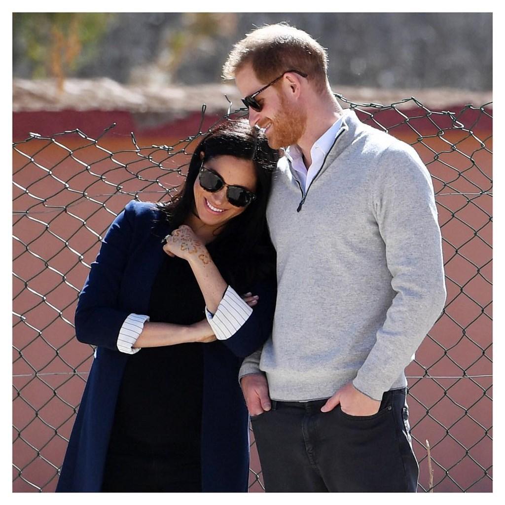 英國哈利王子(右)妻子梅根馬克爾(左)即將產下第一個寶寶,卻爆出不用王室御醫,自備接生團隊。(圖取自薩塞克斯王室IG網頁instagram.com/sussexroyal)