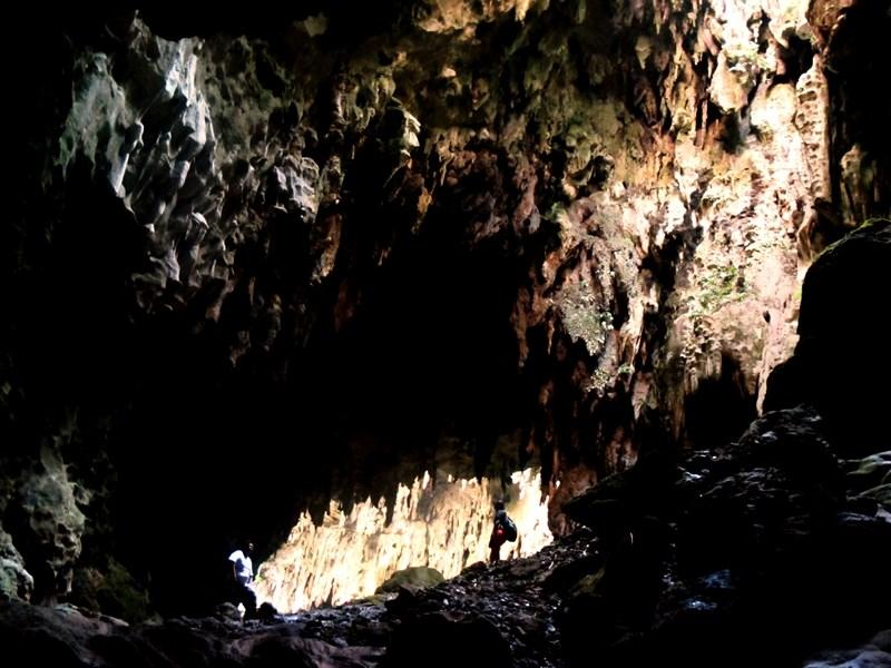 科學家在菲律賓呂宋島的卡洛洞穴(圖)發現前所未知的新人種。(圖取自維基共享資源網頁;作者Ervin Malicdem,CC BY-SA 4.0)