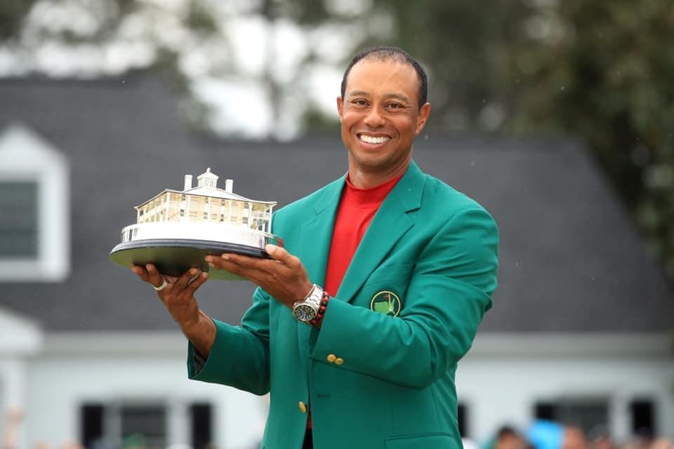 美國高爾夫名將老虎伍茲14日在美國名人賽抱回生涯第15座大賽冠軍,終結個人11年大賽冠軍荒。(圖取自老虎伍茲臉書facebook.com/Tiger)