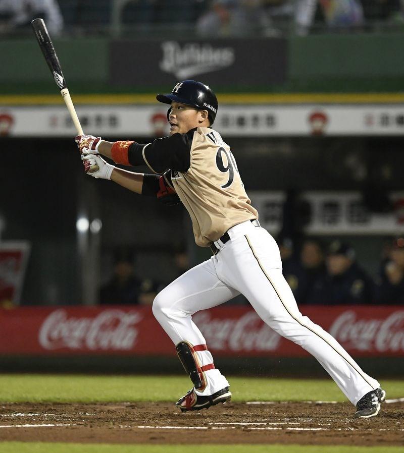 北海道日本火腿鬥士18日再戰歐力士猛牛,王柏融5打數敲2支安打,送回勝利打點,火腿以7比3奪下勝利。(共同社提供)