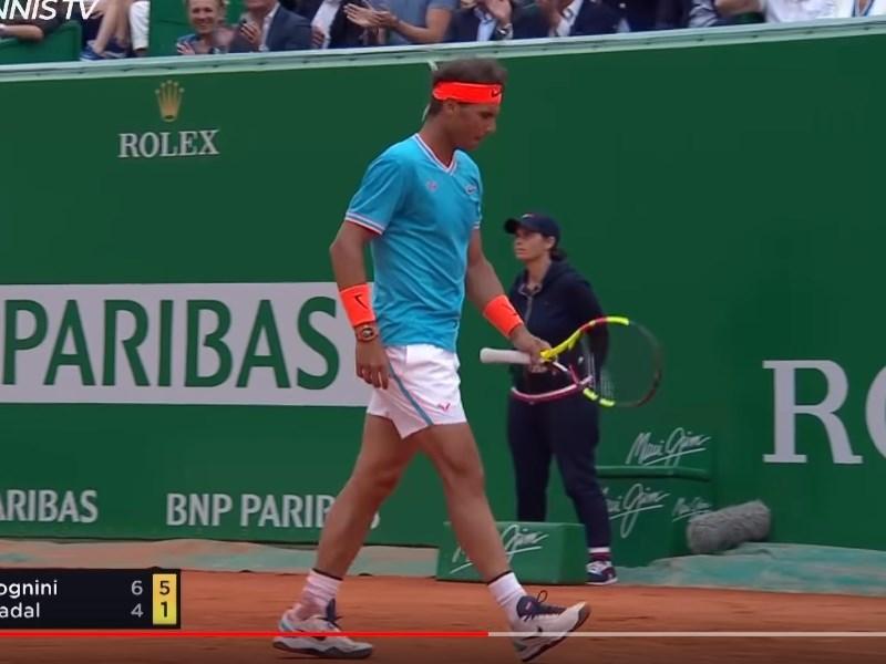 西班牙網球名將納達爾(圖)20日在蒙地卡羅大師賽男單4強戰,遭義大利選手佛吉尼尼爆冷淘汰出局。(圖取自ATP Tour YouTube頻道)