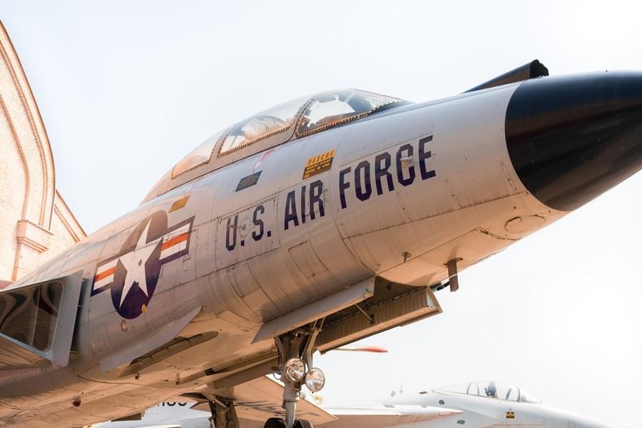日媒報導,美國空軍正研究在駐日橫田基地設置「航空太空作戰中心」作為新指揮所。(示意圖/圖取自Unsplash圖庫)