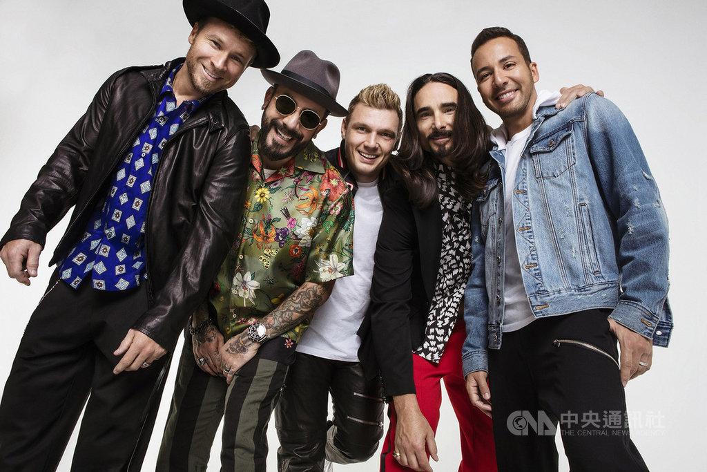 成軍26年的美國流行樂團「新好男孩」(Backstreet Boys),自2015年全員合體來台開唱後,今年10月22日將再度訪台在南港展覽館開唱。(Live Nation Taiwan提供)中央社記者江佩凌傳真 108年4月25日