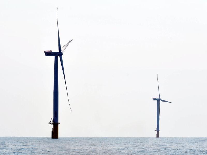 經濟部能源局代理局長李君禮表示,2026年起至2030年每年將釋出1GW風場,5年釋出5GW的風場。(示意圖/中央社檔案照片)
