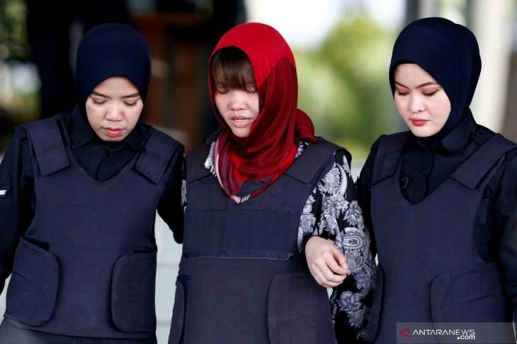 涉及毒殺北韓領導人金正恩哥哥金正男的越南籍女嫌段氏香(中)3日獲釋,已搭機返回越南與分離逾2年的家人團聚。(檔案照片/圖取自印尼安塔拉通訊社網頁)