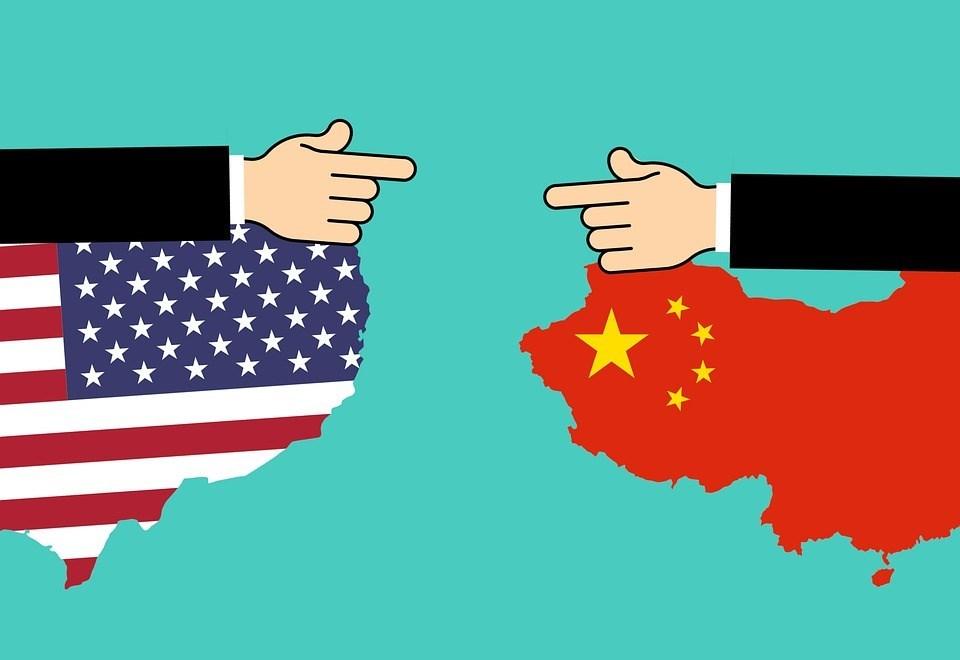美中貿易戰看似將停戰之際,美國總統川普突然上調2000億美元的中國商品加徵關稅稅率,且「很快」會再祭出新關稅,讓國際經濟緊張局勢再度動盪。(示意圖/圖取自Pixabay圖庫)