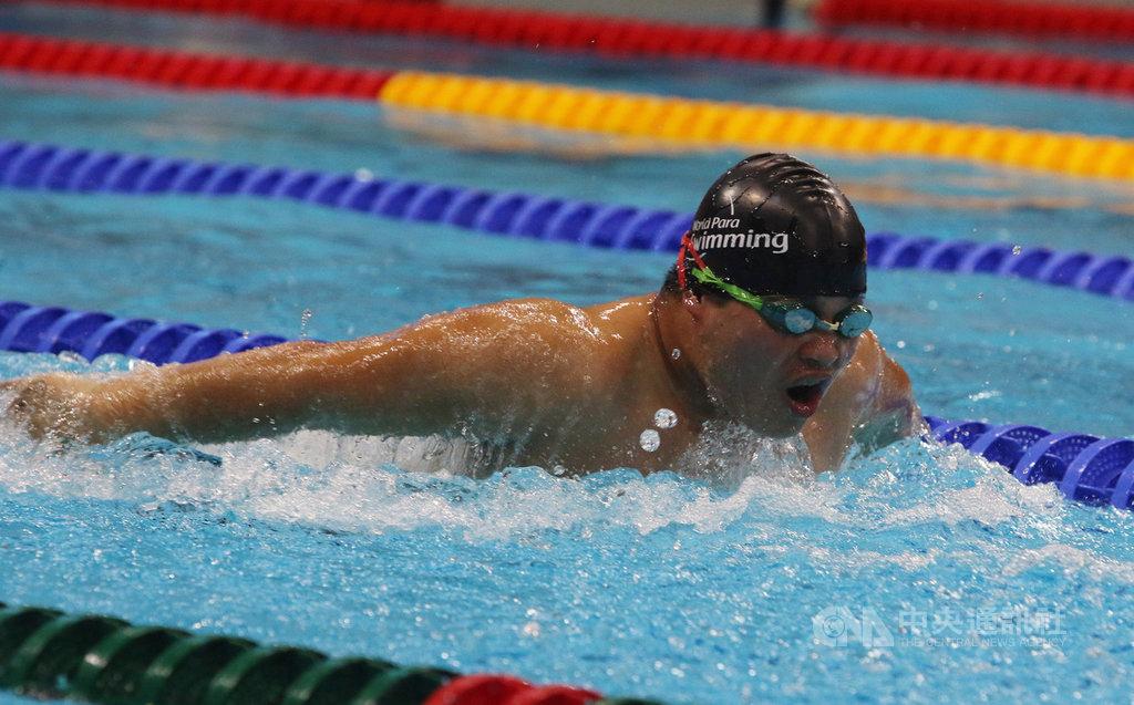 新加坡2019帕拉游泳世界錦標賽,圖為張維捷在50公尺蝶式決賽中全力向前,雖未獲得獎牌,但展現生命鬥士的不屈不撓精神。中央社記者黃自強新加坡攝 108年5月12日