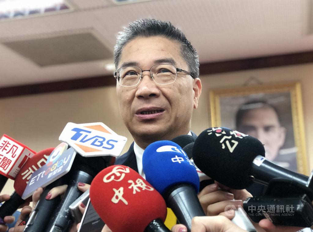內政部長徐國勇16日表示,預計9月完成數位身分證最細部的規劃,包括樣張。中央社記者王承中攝 108年5月16日