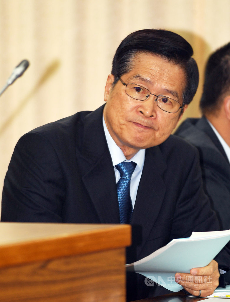 國防部長嚴德發(圖)16日在立法院國防委員會,對媒體報導指美國海軍陸戰隊曾來台演訓一事表示,有向AIT查證過,今年沒有入境台灣紀錄。中央社記者施宗暉攝  108年5月16日