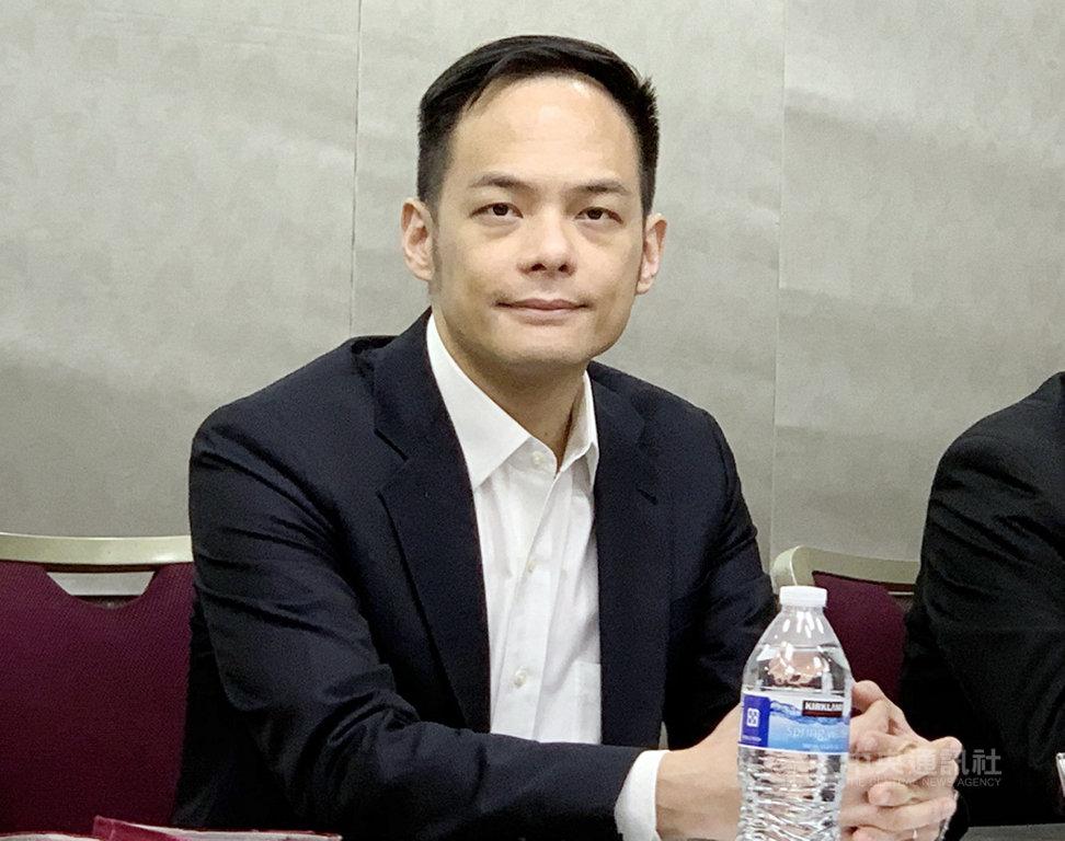 由國家實驗研究院國家高速網路與計算中心、華碩電腦、廣達電腦、台灣大哥大合作建置的TWCC台灣計算雲平台16日首次亮相,台灣大哥大總經理林之晨出席致詞,並接受媒體聯訪。中央社記者吳家豪攝  108年5月16日