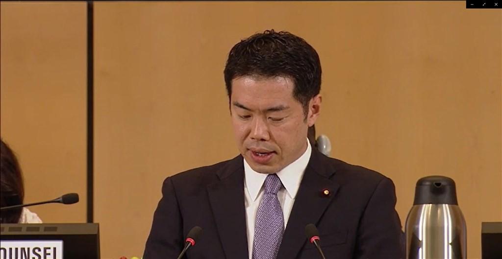 日本厚生勞動大臣政務官新谷正義今天在世界衛生大會發言,表示防治疫情必須沒有人被遺漏。(圖取自WHO網站)中央社記者唐佩君日內瓦傳真 108年5月21日