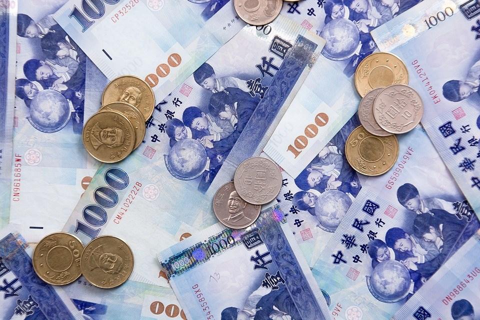 美中貿易戰升溫,不確定風險增加,據金管會統計,外資5月淨匯出達20.3億美元,導致新台幣貶幅加大。(圖取自Pixabay圖庫)