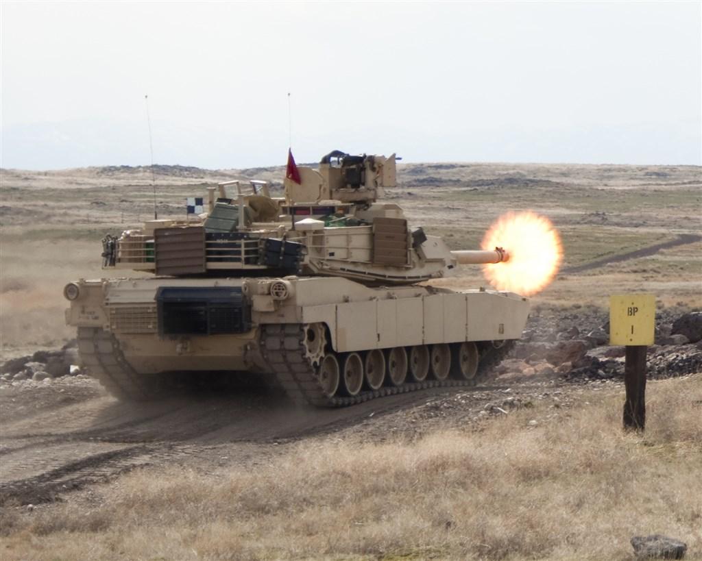 4位熟知內情人士透露,美國準備銷售108輛M1A2艾布蘭戰車(圖)以及大批反戰車和防空飛彈給台灣。(圖取自美國陸軍網頁www.army.mil)