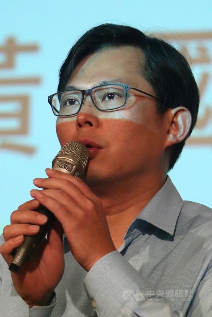 立委黃國昌(圖)13日表示,將與「館長」陳之漢舉辦「拒絕紅色媒體、守護台灣民主」凱道遊行。(中央社檔案照片)