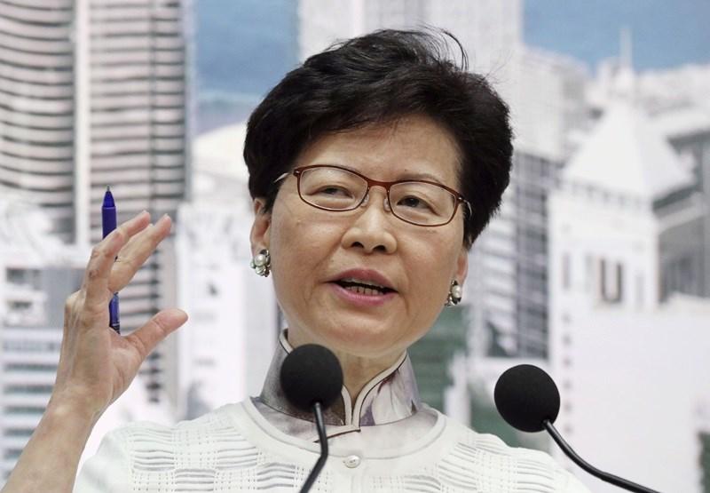 香港行政長官林鄭月娥15日宣布,港府決定暫緩修訂逃犯條例。(共同社提供)