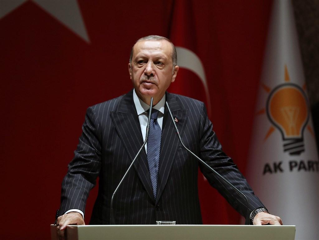 土耳其總統艾爾段(圖)的執政黨AKP輸掉伊斯坦堡巿長寶座,分析認為,正義發展黨將因此流失鐵票,開始步上衰敗。(圖取自facebook.com/RecepTayyipErdogan)