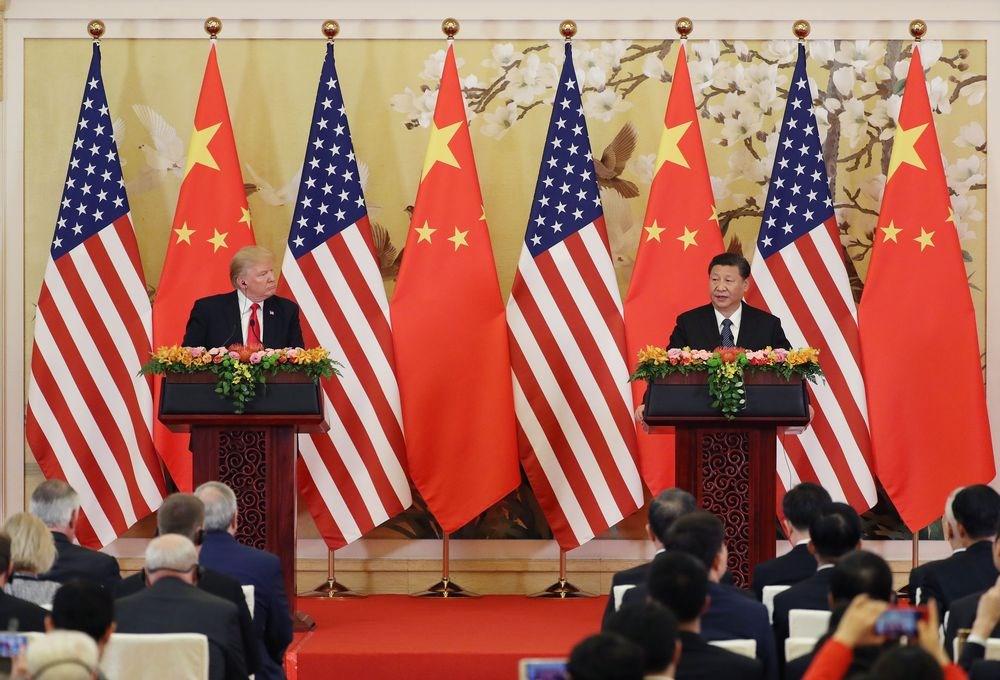 美國總統川普(左)與中國國家主席習近平將在G20大阪峰會期間舉行「川習會」。圖為2017年11月川普與習近平在北京會面。(檔案照片/中新社提供)
