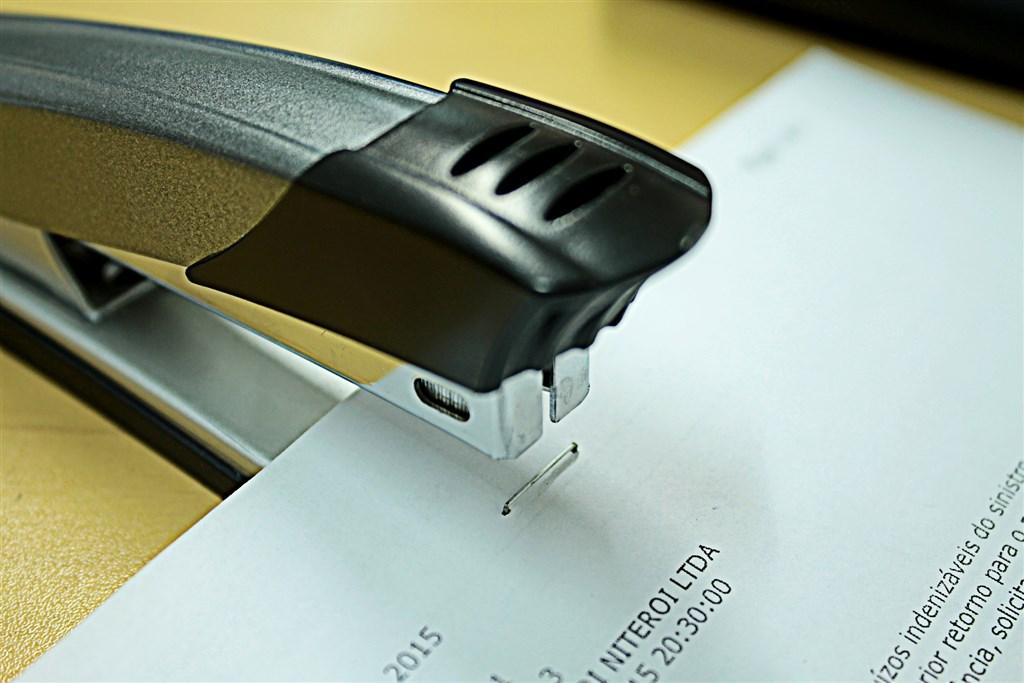 美國商務部28日宣布,針對進口自中國、台灣與南韓的釘書針涉嫌傾銷展開反傾銷與反補貼調查。(示意圖/圖取自Pixabay圖庫)