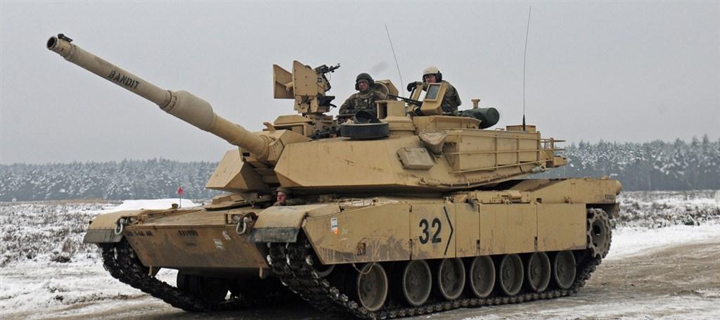 媒體報導,美方將於近日宣布對台軍售M1A2戰車(圖),外交部5日對此表示美方正進行相關審查程序。(圖取自維基百科網頁,版權屬公有領域)