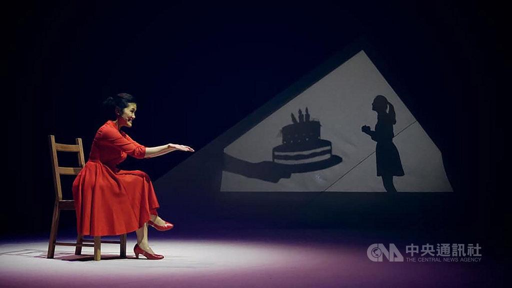獲選台北市傑出演藝團隊的C MUSICAL製作參加韓國大邱國際音樂劇節,5日演出原創音樂劇「最美的一天」,以「全女」陣容演出,屬音樂劇舞台相當少見。圖為最美的一天劇中演員張稜演出片段。(C MUSICAL製作提供)中央社 108年7月5日