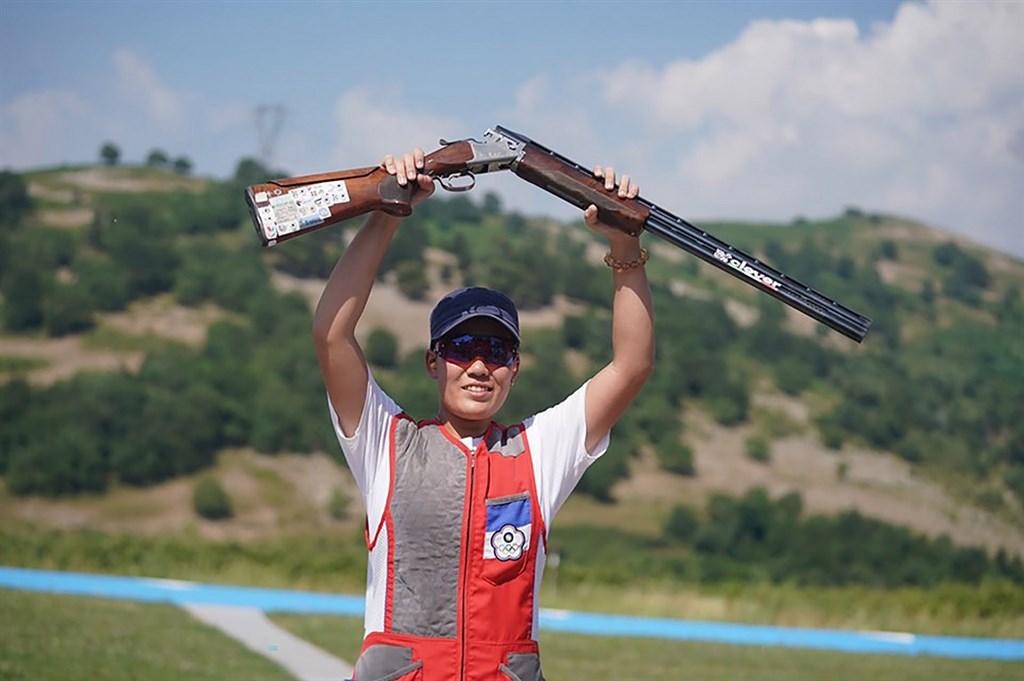 台灣不定向飛靶女將劉宛渝5日在2019世界大學運動會女子不定向飛靶決賽,以39比35擊敗義大利選手,奪得金牌,這也是本屆中華代表團第一金。(大專體總提供)中央社記者龍柏安傳真 108年7月5日