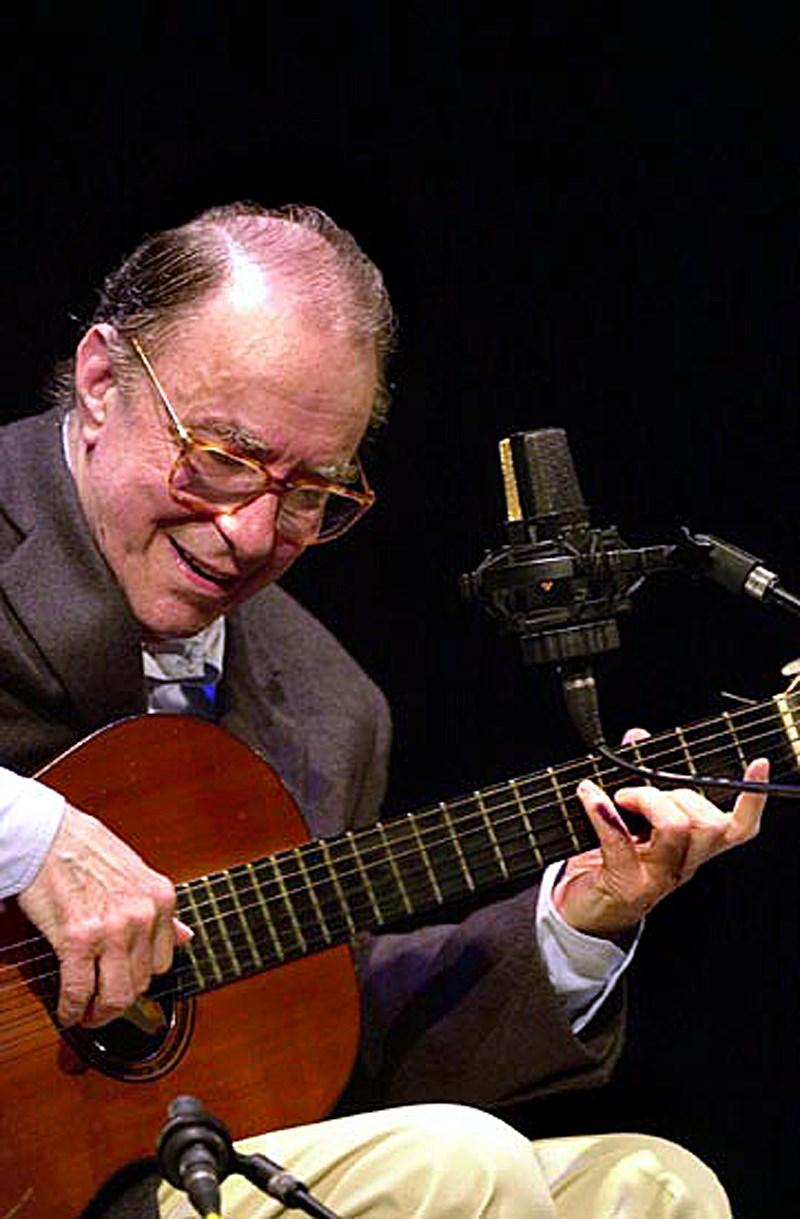 巴莎諾瓦音樂先驅、巴西音樂人喬安吉巴托6日下午於里約熱內盧自宅辭世,享壽88歲。(圖取自維基共享資源,版權屬公眾領域)