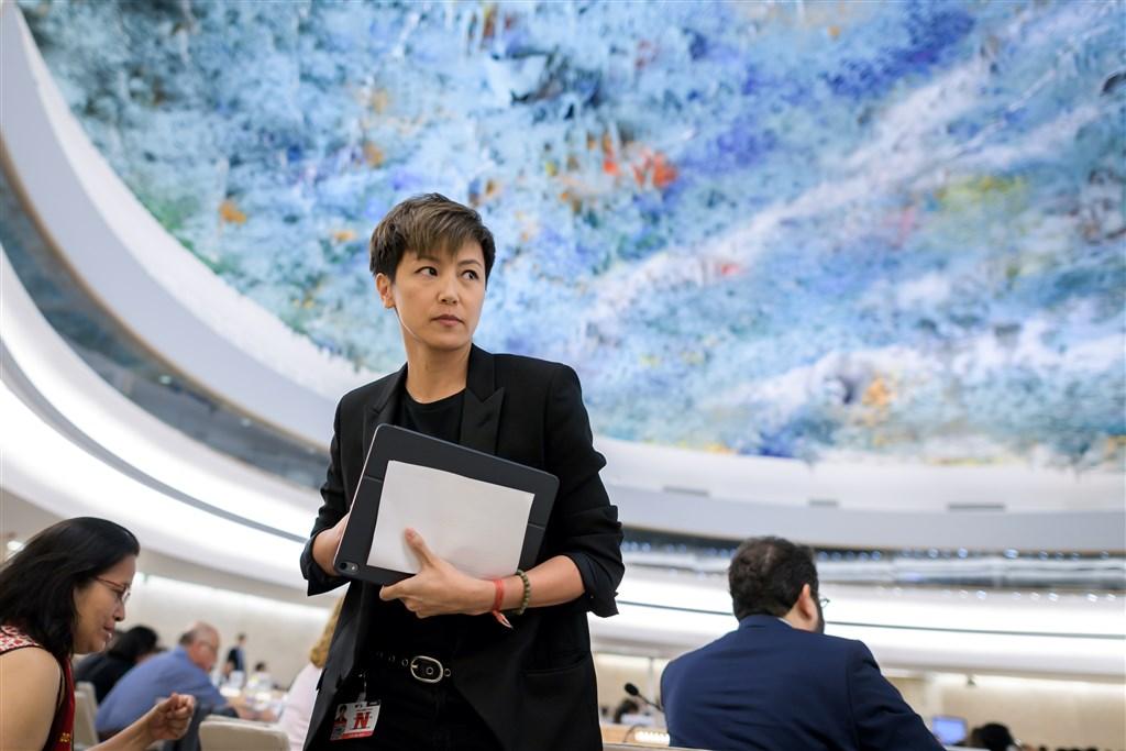 香港歌手何韻詩8日在聯合國人權理事會對「反送中」事件發言表示,一國兩制幾近死亡。(法新社提供)