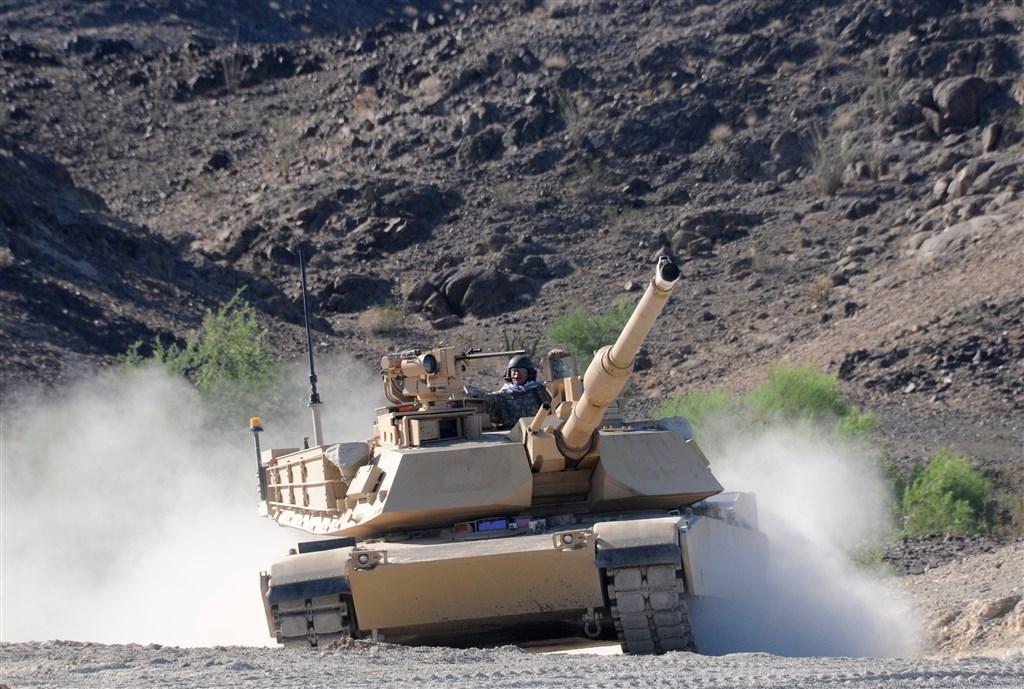 美國國務院8日宣布批准M1A2艾布蘭戰車(圖)等2項對台軍售,總額超過22億美元。(圖取自美國陸軍網頁www.army.mil)