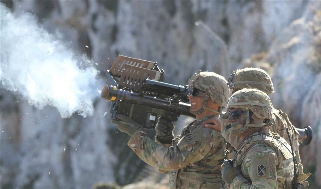 美國國務院9日宣布批准兩項對台軍售,其中包含人攜式刺針飛彈,其具備機動、單兵可操作的特點,更能提高戰場存活率。(圖取自美國陸軍網頁www.army.mil)
