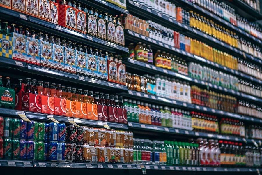 研究發現,每天多喝100毫升含糖飲料,罹癌風險增高18%,但無法確立直接的因果關係。(示意圖/圖取自Pixabay圖庫)