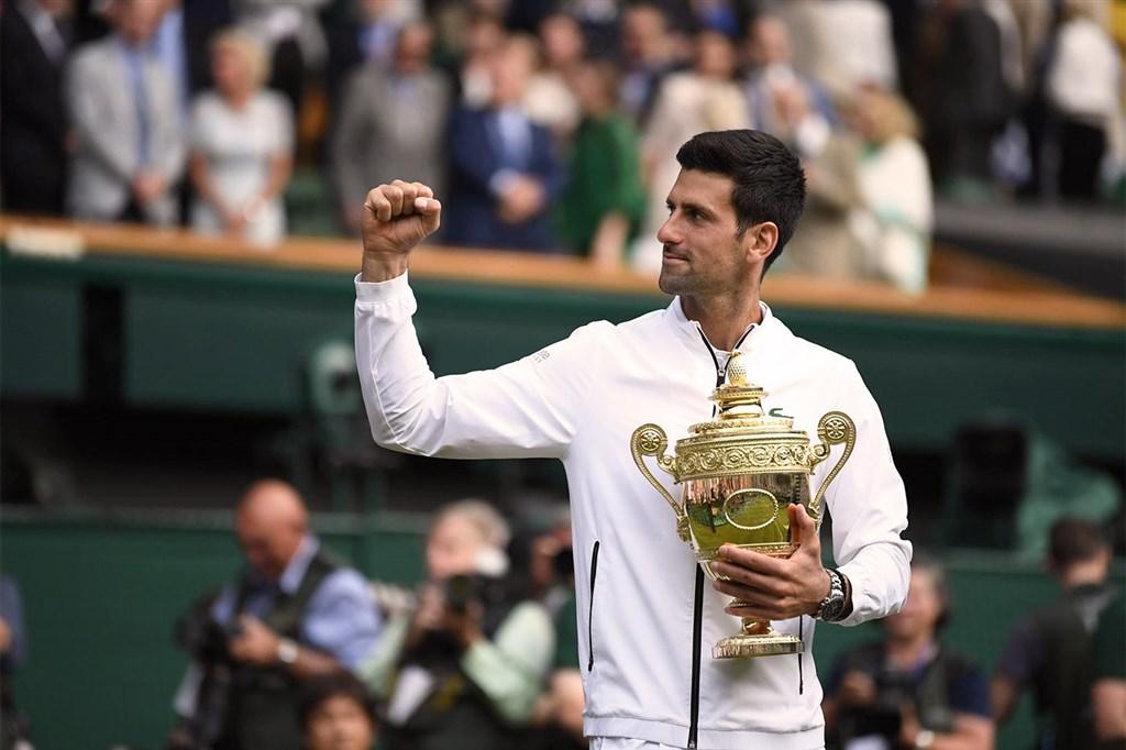 喬科維奇(圖)14日在溫布頓網球錦標賽男單決賽鏖戰5盤,擊敗瑞士網球名將費德瑞。(圖取自溫網網頁wimbledon.com)